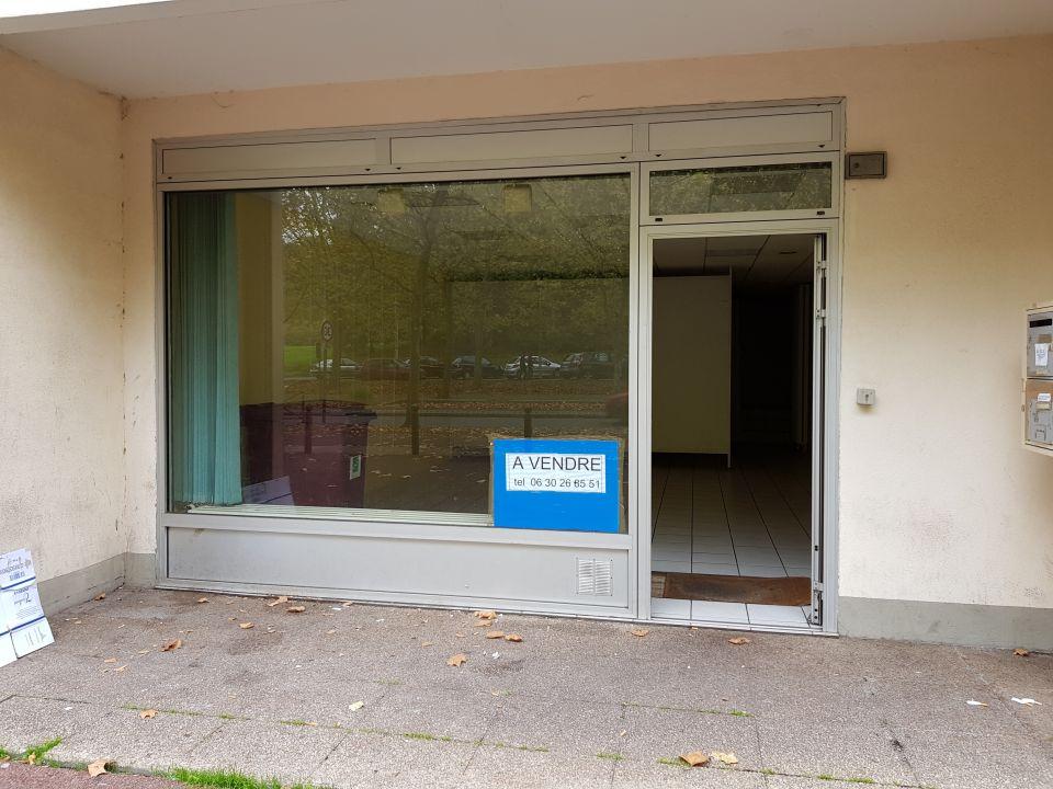 Local commercial à vendre - 74.0 m2 - 77 - Seine-et-Marne