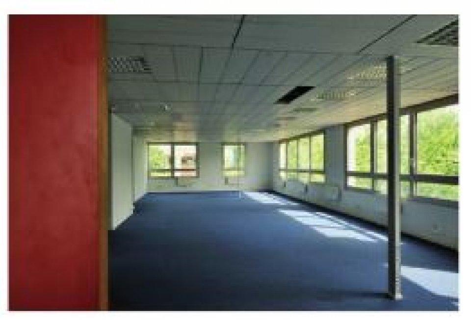 Bureaux à louer - 908.0 m2 - 77 - Seine-et-Marne