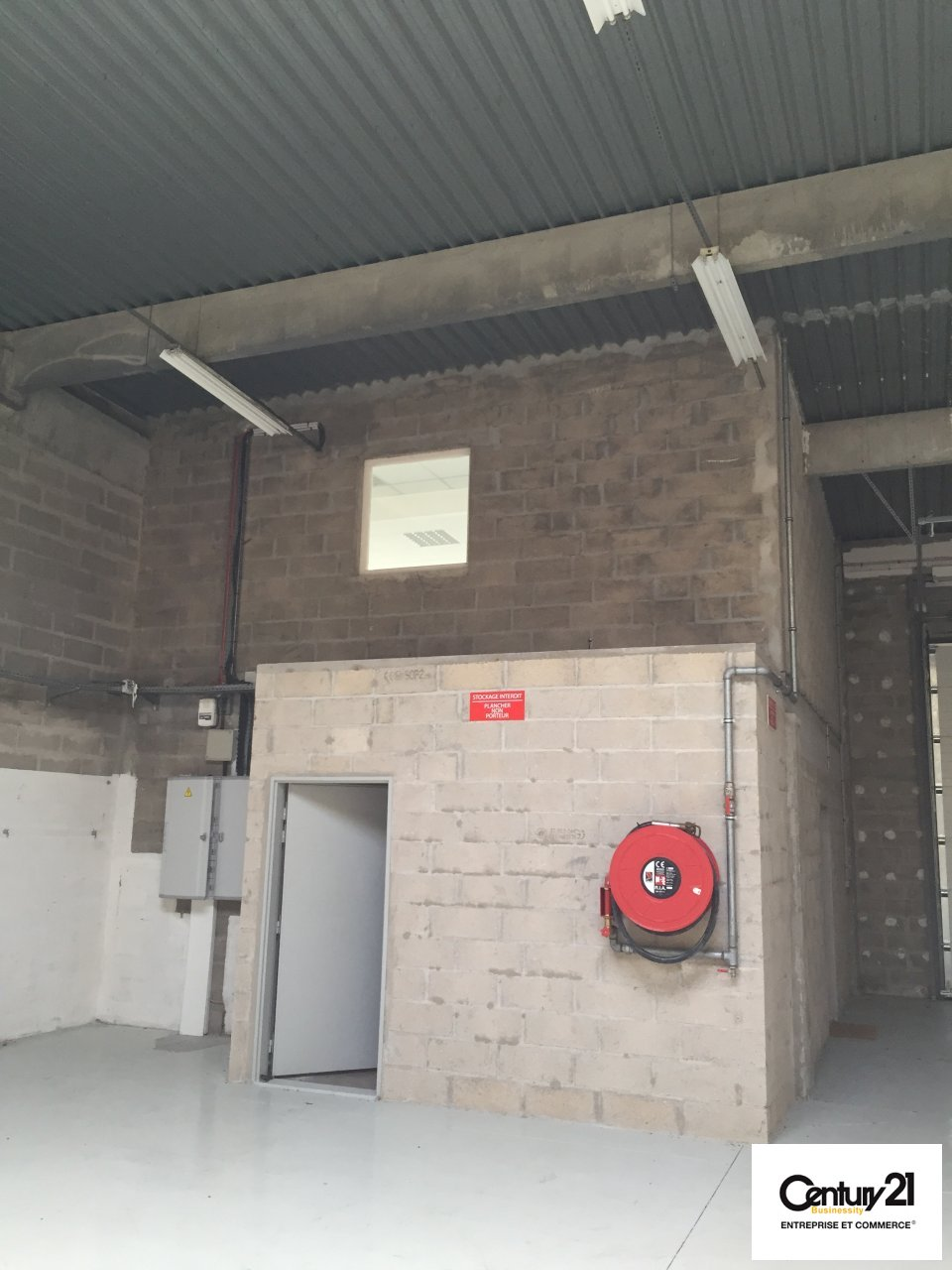 Bureaux à louer - 392.0 m2 - 77 - Seine-et-Marne