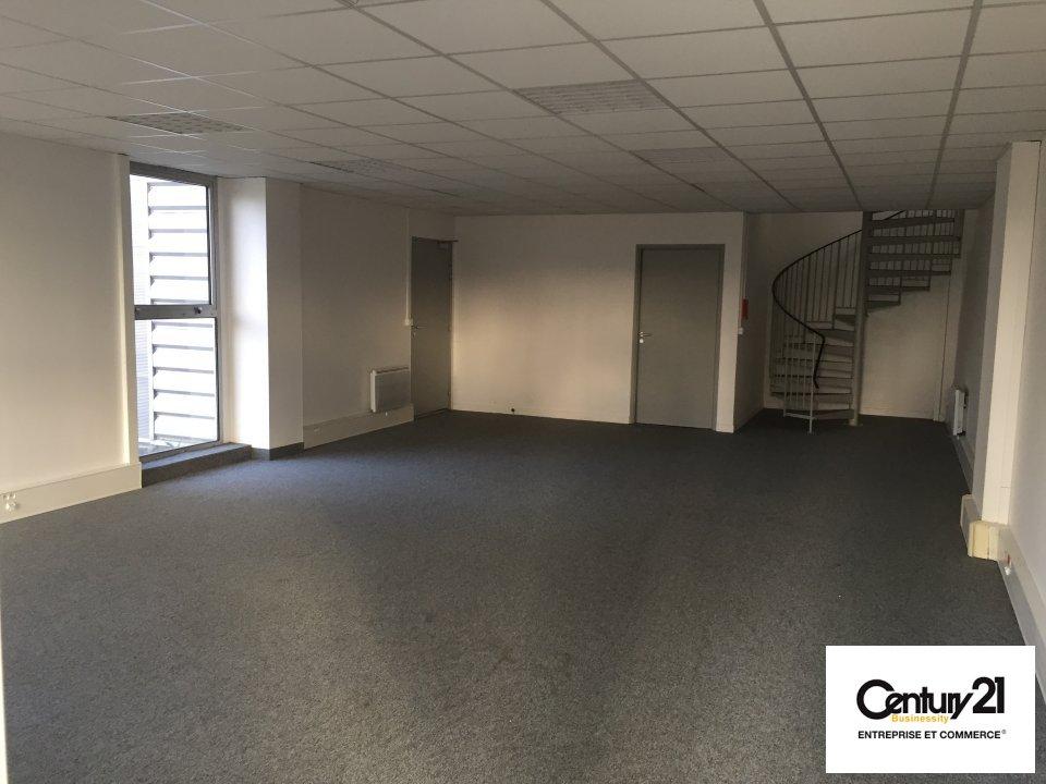 Bureaux à louer - 741.0 m2 - 77 - Seine-et-Marne