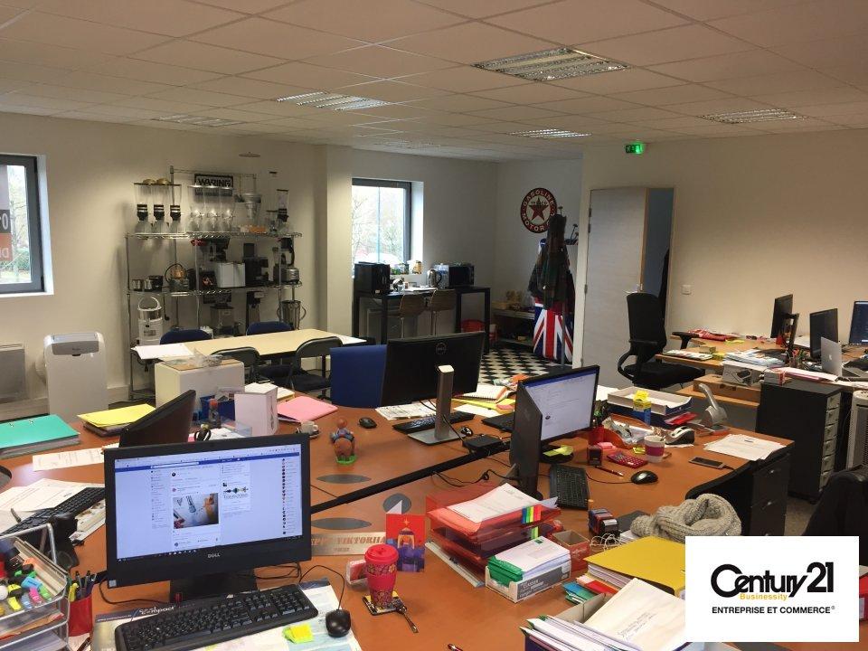 Bureaux à louer - 128.0 m2 - 77 - Seine-et-Marne