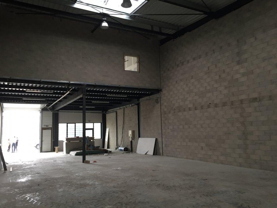 Local d'activité à louer - 249.0 m2 - 77 - Seine-et-Marne