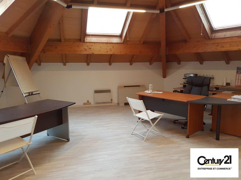 Bureaux à louer - 275.0 m2 - 77 - Seine-et-Marne