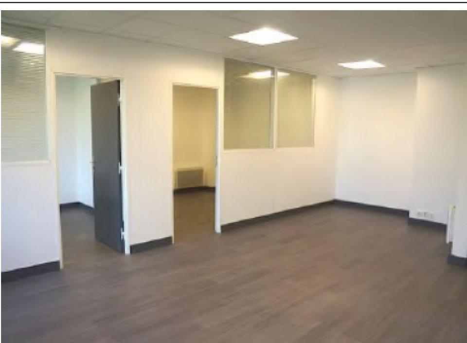 Bureaux à louer - 52.0 m2 - 77 - Seine-et-Marne