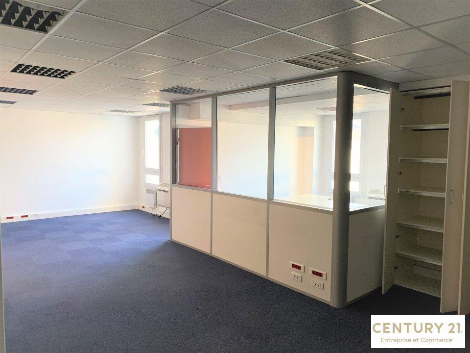 Bureaux à louer - 62.0 m2 - 77 - Seine-et-Marne