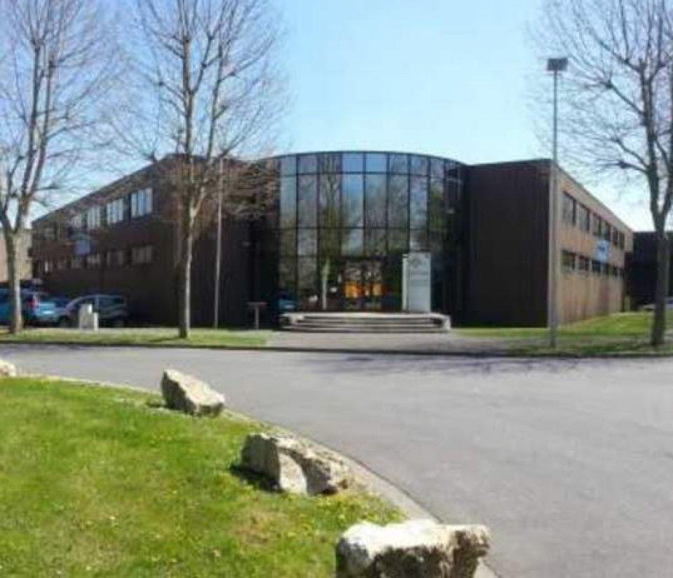 Bureaux à vendre - 1395.0 m2 - 77 - Seine-et-Marne