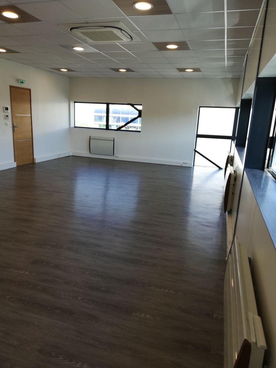 Bureaux à louer - 56.0 m2 - 77 - Seine-et-Marne