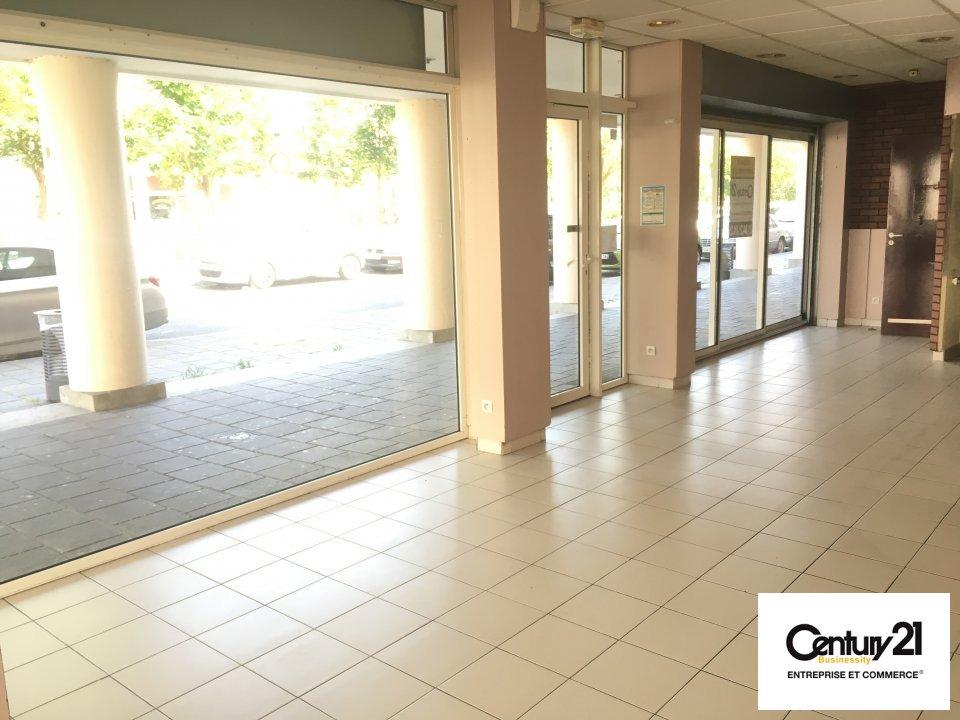 Local commercial à vendre - 75.0 m2 - 77 - Seine-et-Marne