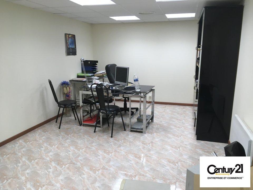Bureaux à louer - 124.0 m2 - 93 - Seine-Saint-Denis