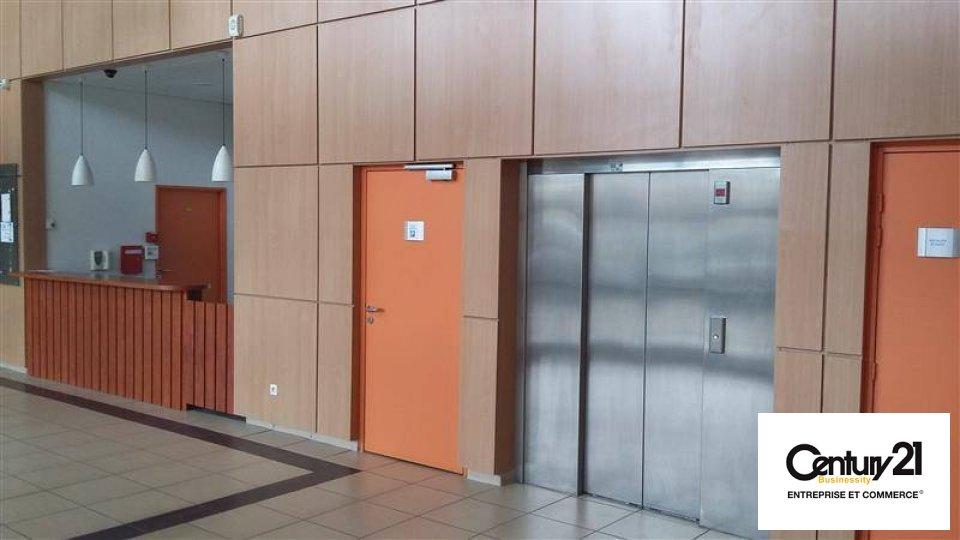 Bureaux à louer - 283.3 m2 - 77 - Seine-et-Marne