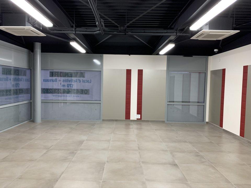 Local d'activité à louer - 200.0 m2 - 77 - Seine-et-Marne
