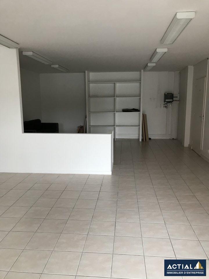 Location-Bureau-110m²-LA CHAPELLE SUR ERDRE-photo-3