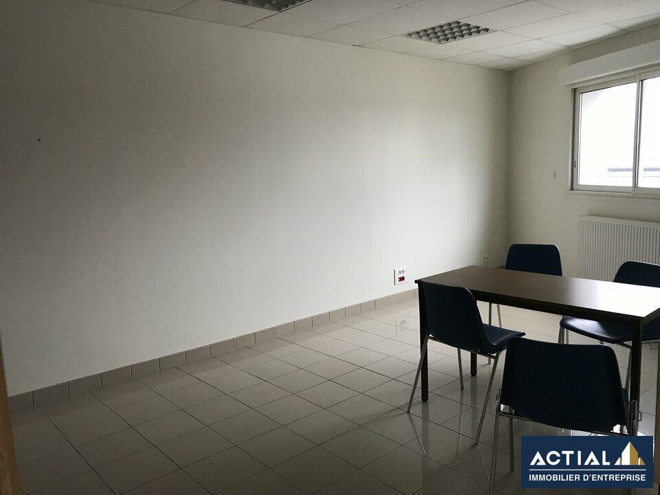 Location-Bureau-53.4m²-THOUARE SUR LOIRE-photo-3