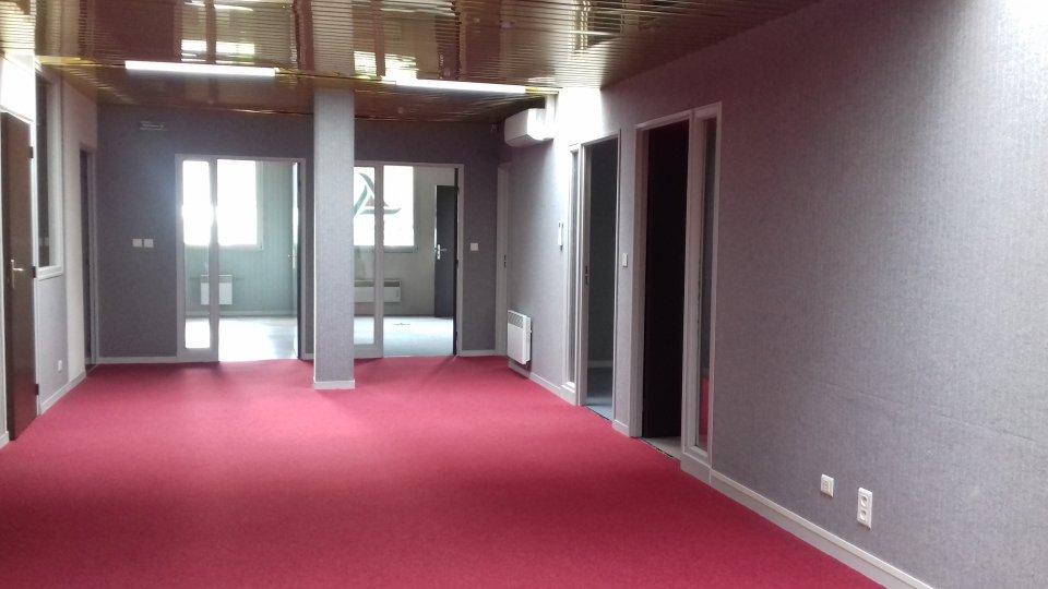 Location-de-bureaux-a-Bourges--18-