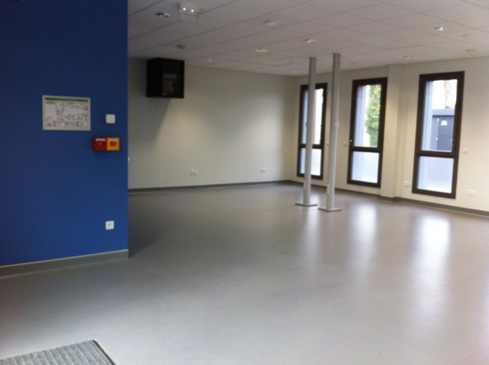 Locaux-hotel-d-entrerises-technopole-Lahitolle
