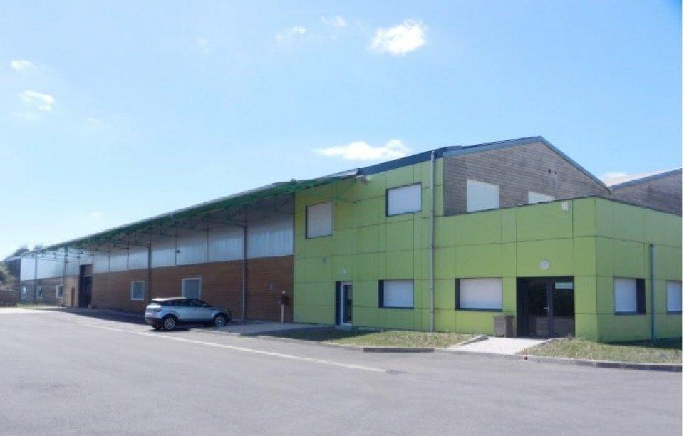 Local-d-activite-en-location-ou-vente-a-Baule-45
