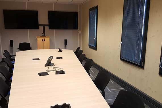 Location d 39 un immeuble de bureaux neuf sur la zone europa for Location bureau pau 64