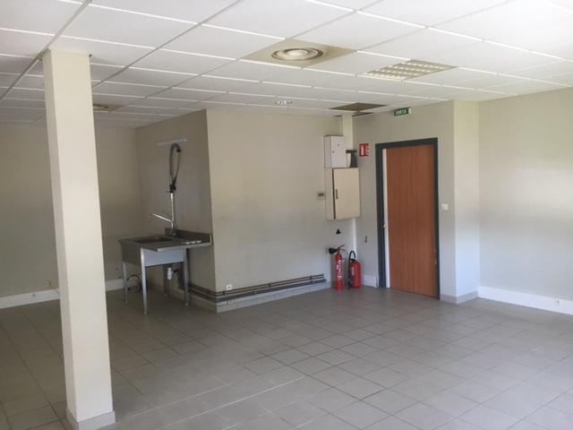 location-plateau-bureaux-95m2-ain