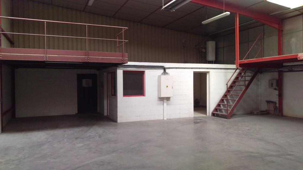 Batiment-industriel-a-louer-dans-l-Ain--01-