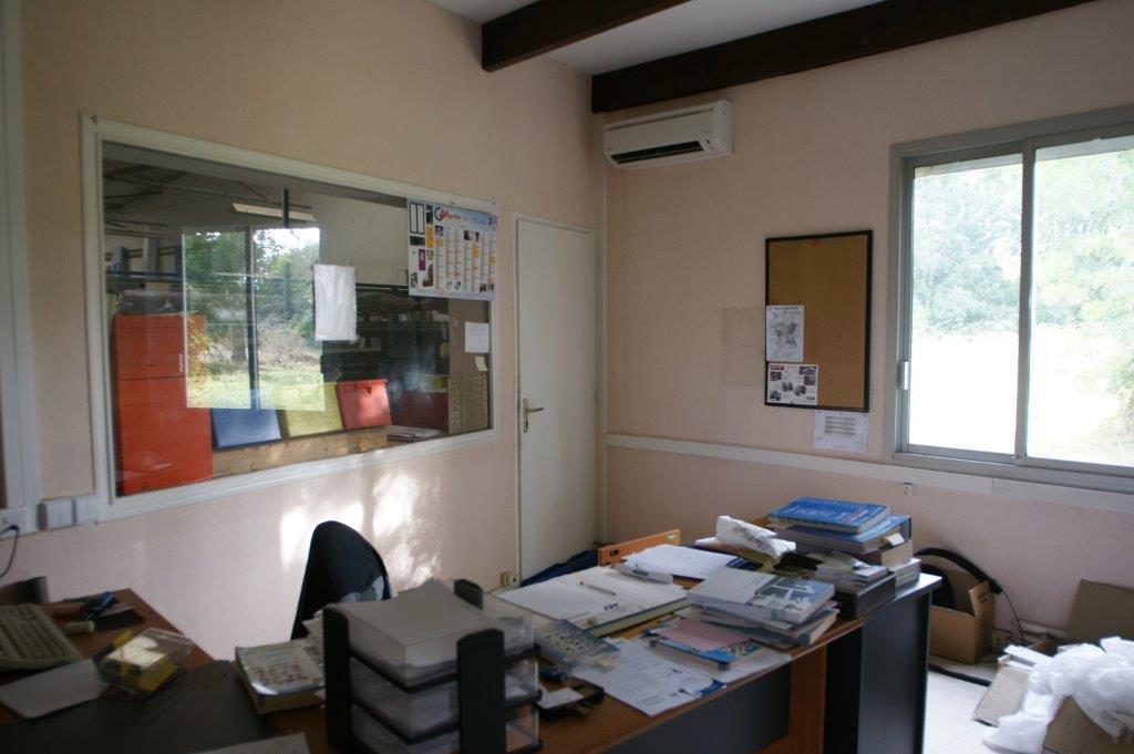 bureaux-interieur-batiment-frontenay