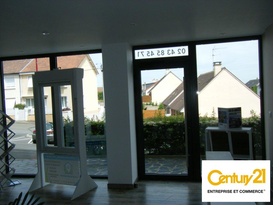 Local commercial à louer - 102.0 m2 - 72 - Sarthe