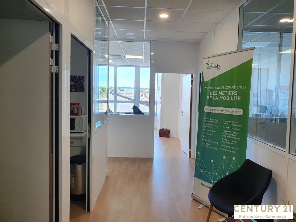 Bureaux à louer - 103.96 m2 - 72 - Sarthe