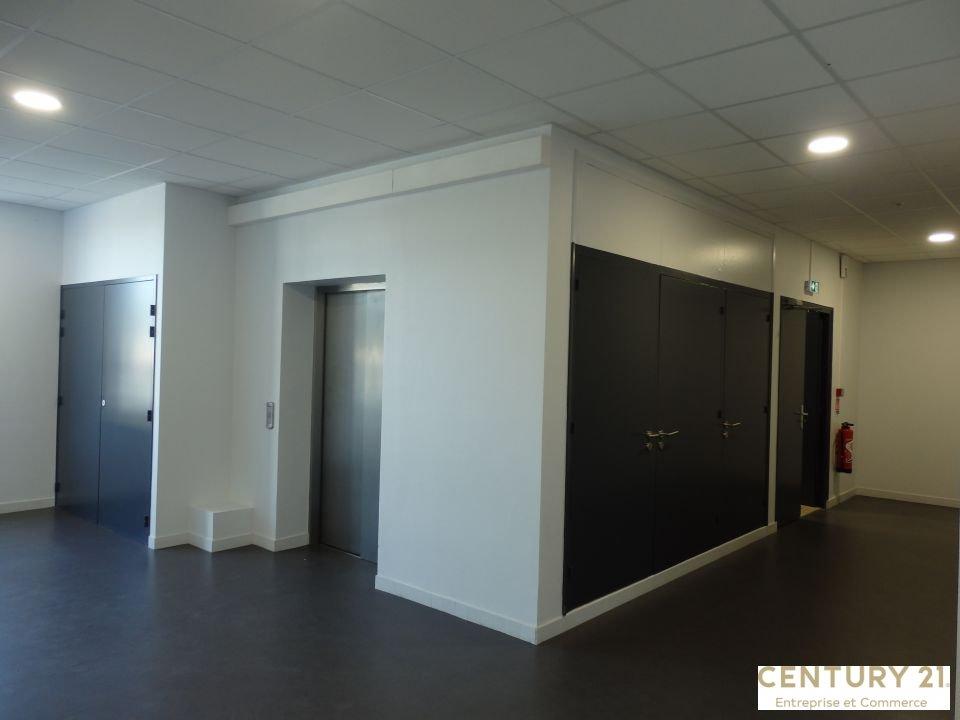 Bureaux à louer - 161.12 m2 - 72 - Sarthe