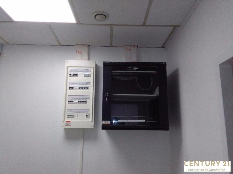 Bureaux à louer - 75.0 m2 - 72 - Sarthe