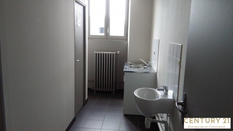 Bureaux à louer - 150.0 m2 - 72 - Sarthe