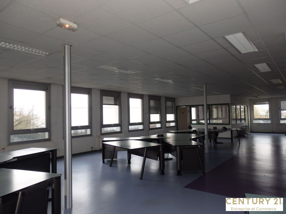 Bureaux à louer - 1638.0 m2 - 72 - Sarthe