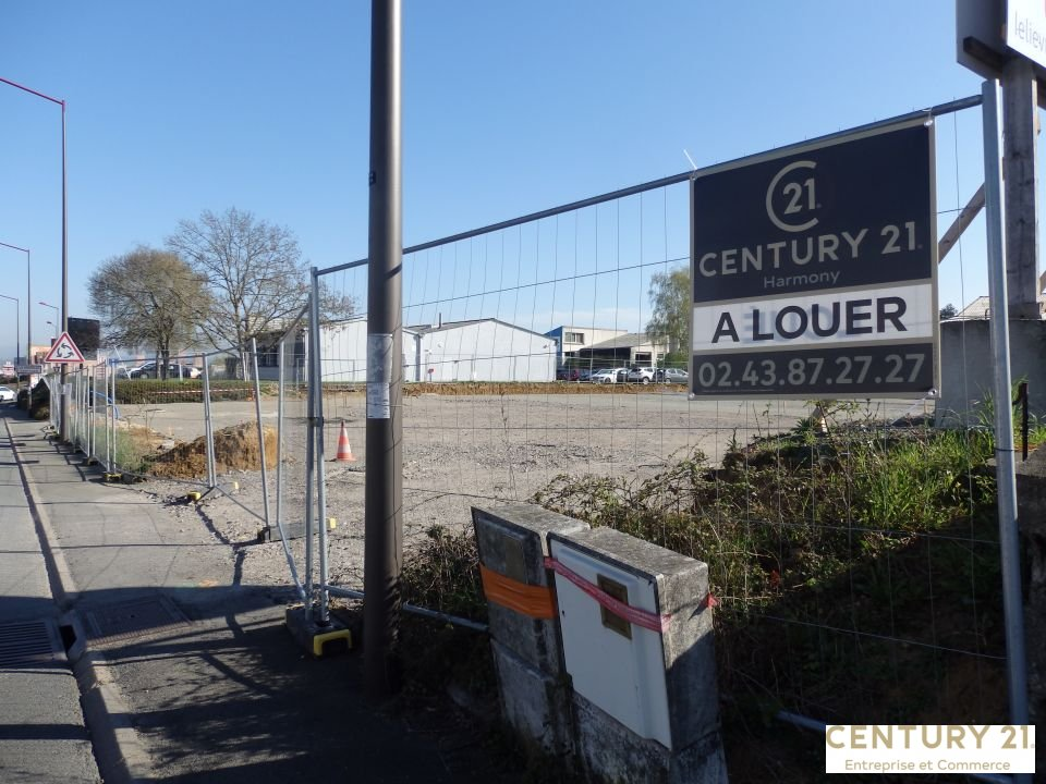 Local commercial à louer - 250.0 m2 - 72 - Sarthe
