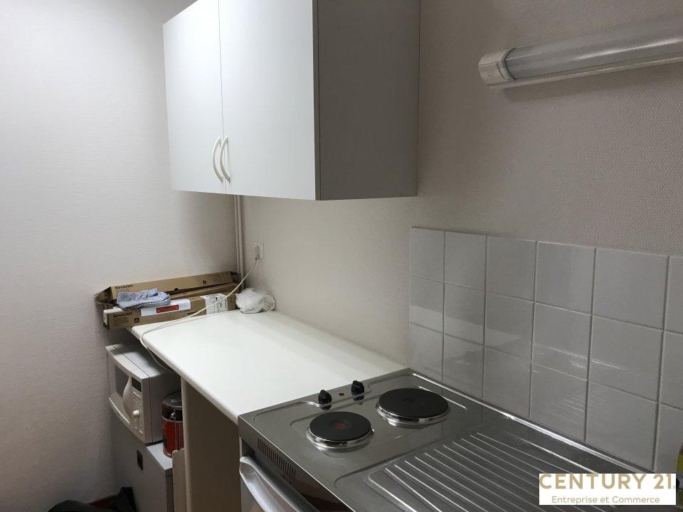 Bureaux à vendre - 110.0 m2 - 72 - Sarthe