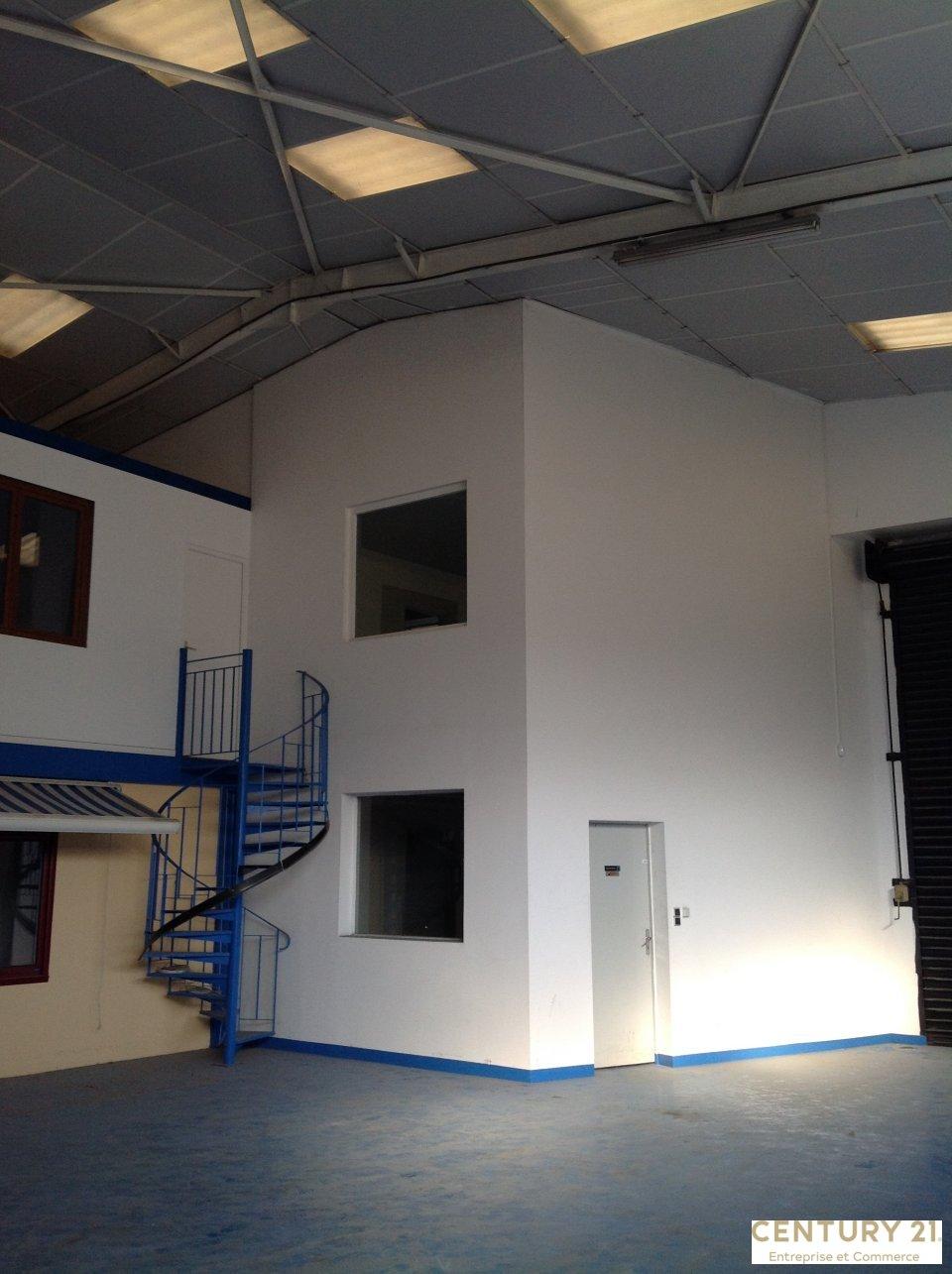 Local d'activité à louer - 977.0 m2 - 72 - Sarthe