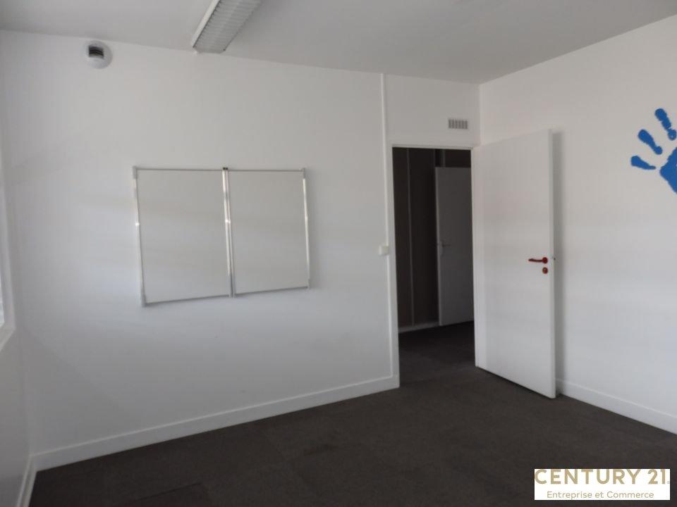 Bureaux à louer - 101.0 m2 - 72 - Sarthe
