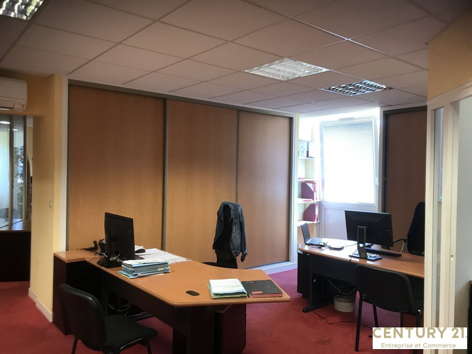 Bureaux à vendre - 196.0 m2 - 72 - Sarthe