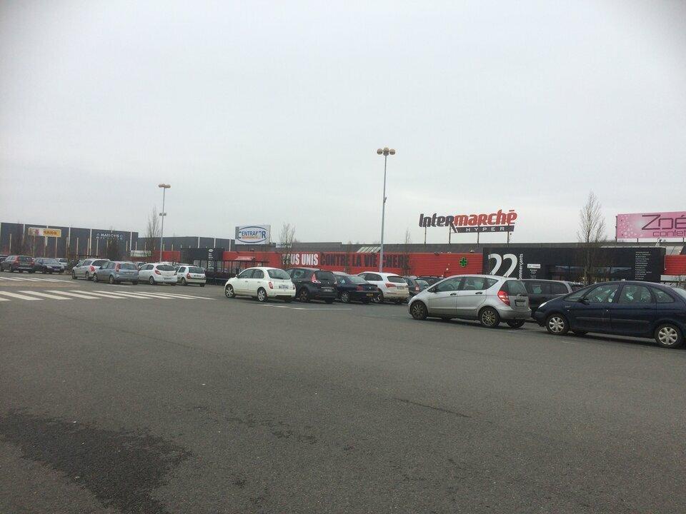 Local commercial à louer - 860.0 m2 - 72 - Sarthe