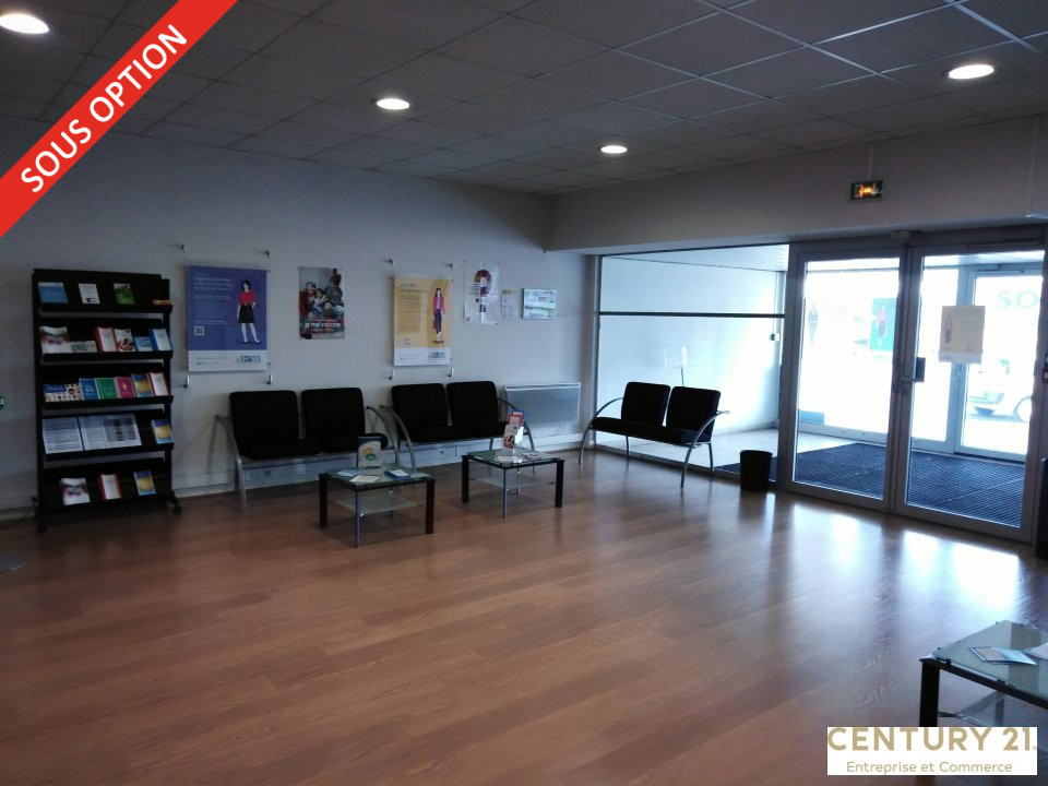 Location commerce - Sarthe (72) - 252.0 m²