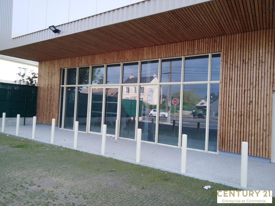 Local commercial à louer - 213.0 m2 - 72 - Sarthe