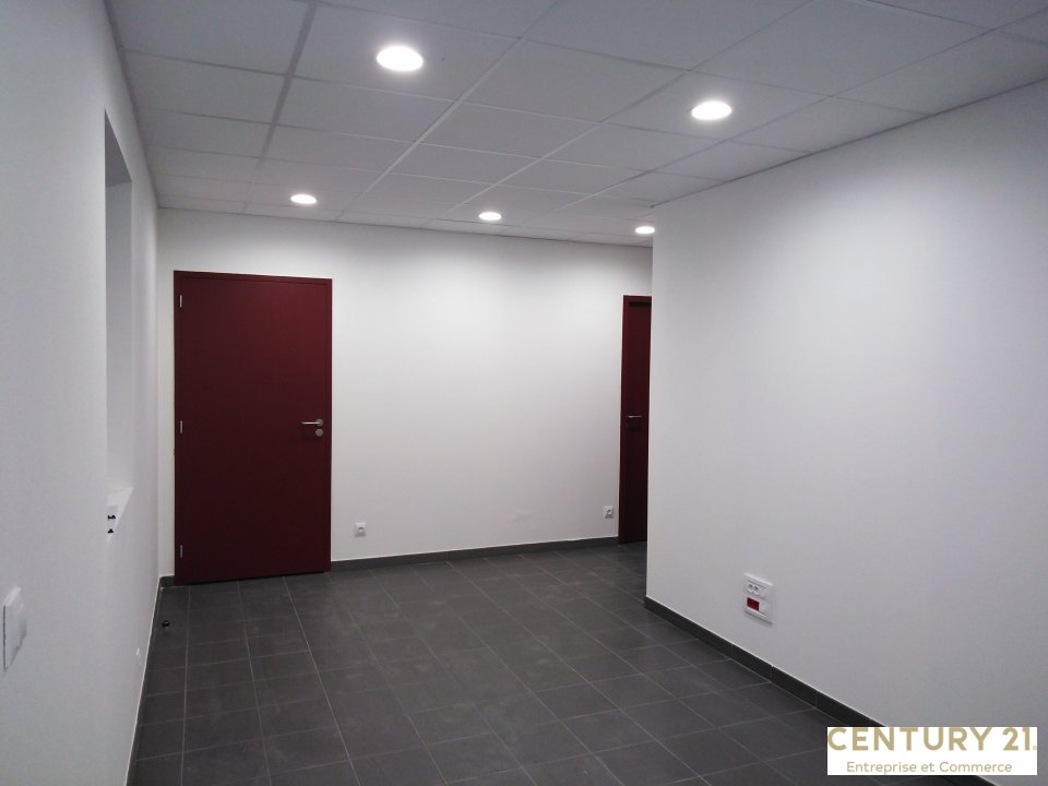 Local d'activité à louer - 300.0 m2 - 72 - Sarthe