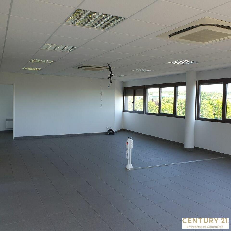 Bureaux à louer - 2200.0 m2 - 72 - Sarthe