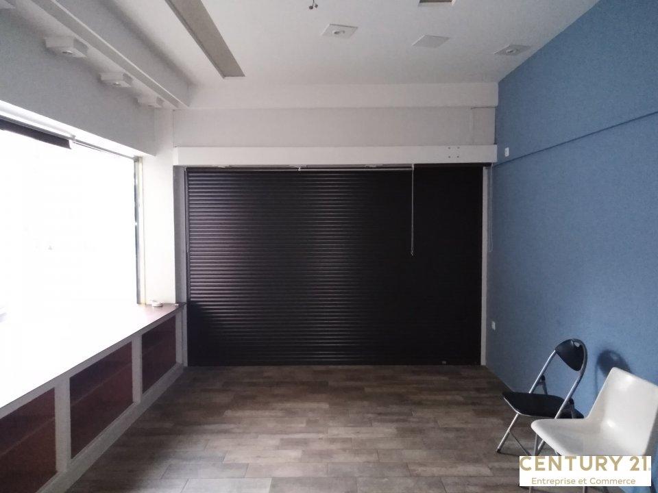Local commercial à louer - 31.0 m2 - 72 - Sarthe