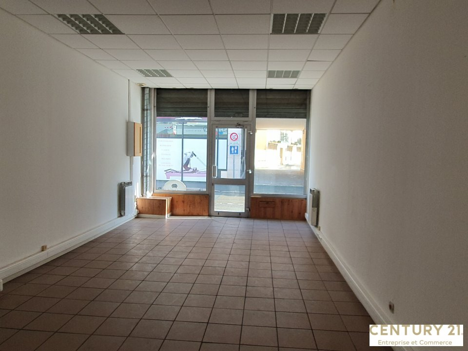 Local commercial à louer - 50.0 m2 - 72 - Sarthe