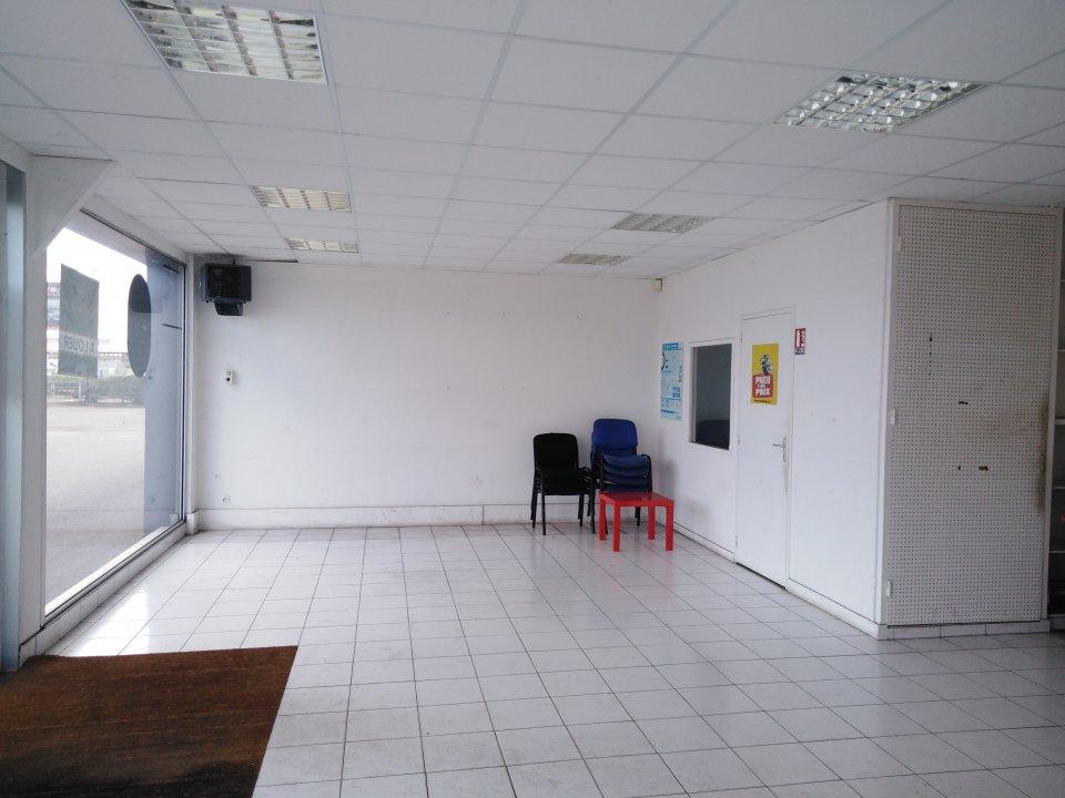 Location entreprise - Sarthe (72) - 450.0 m²