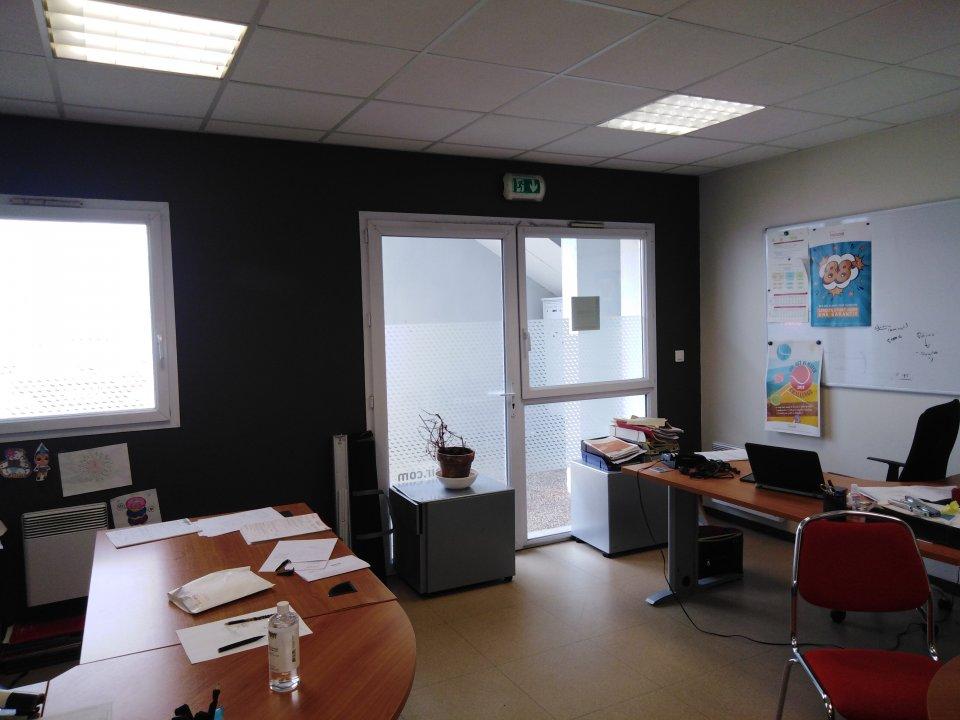 Bureaux à vendre - 242.0 m2 - 72 - Sarthe