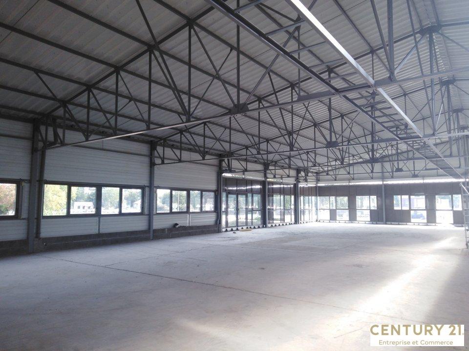 Local commercial à louer - 2000.0 m2 - 72 - Sarthe