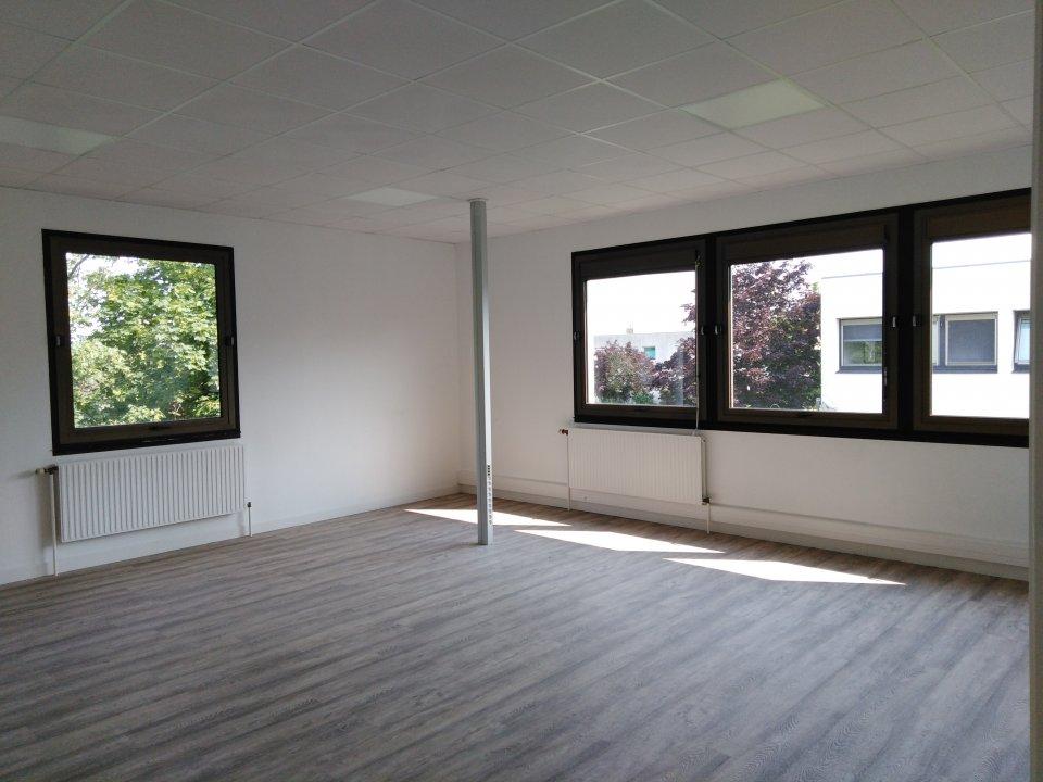 Bureaux à louer - 691.0 m2 - 72 - Sarthe
