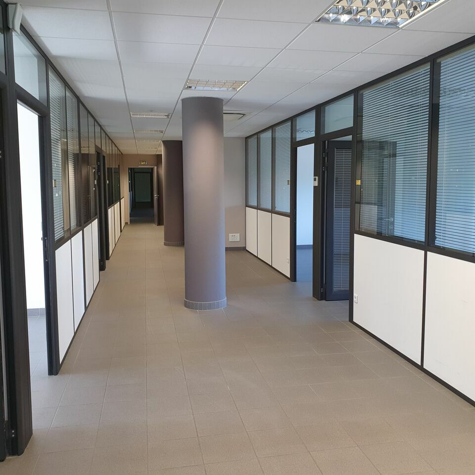 Bureaux à louer - 1000.0 m2 - 72 - Sarthe