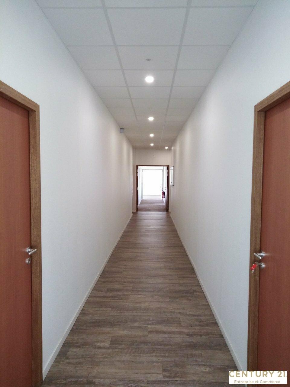 Bureaux à louer - 225.68 m2 - 72 - Sarthe