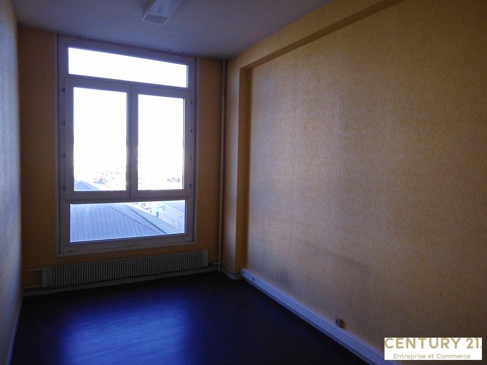Bureaux à louer - 328.0 m2 - 72 - Sarthe