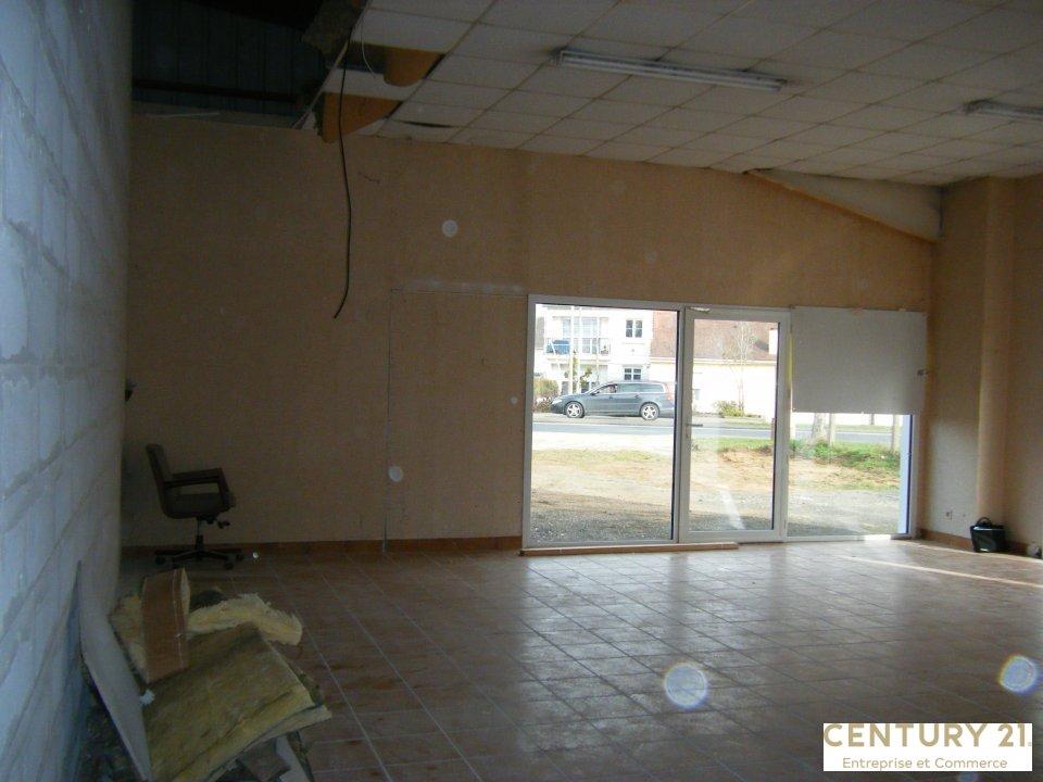 Local commercial à louer - 90.0 m2 - 72 - Sarthe